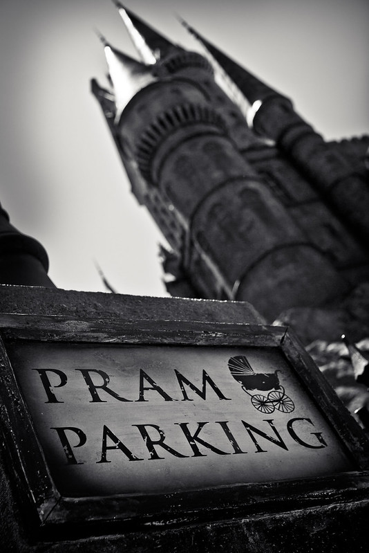 The Wizarding World of Harry Potter: Pram Parking