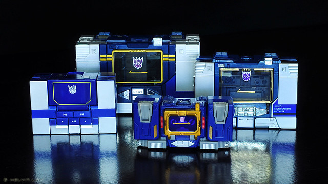 Soundwave tape decks
