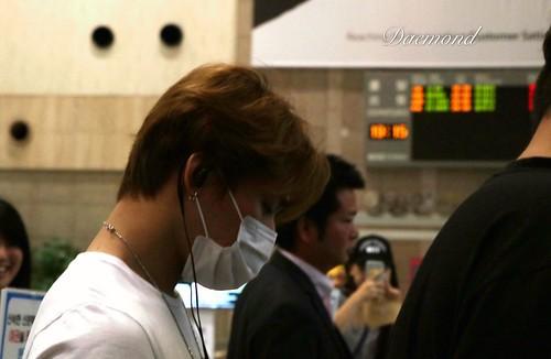 BIGBANG wout Seungri departure Seoul to Tokyo 2016-08-26 (62)