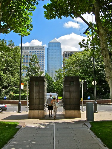 One Canada Square from Westferry Circus