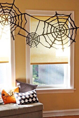 HALLOWEEN WEB DECORATIONS