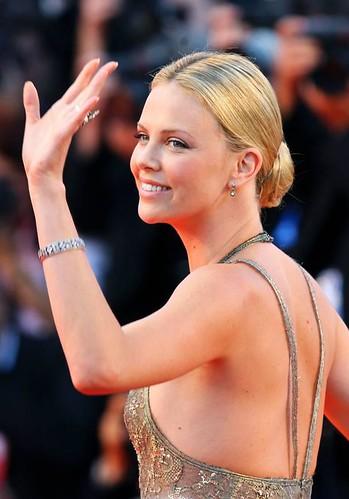 Charlize lovely wave - Valley of Elah - Venice Film Fest - 25 JUL 2012