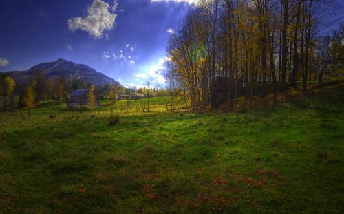 light sky cloud grass barn landscape peace spirit lumière ciel québec mind nuages paysage hdr herbe esprit owlshead cabanne potton paixdesprit