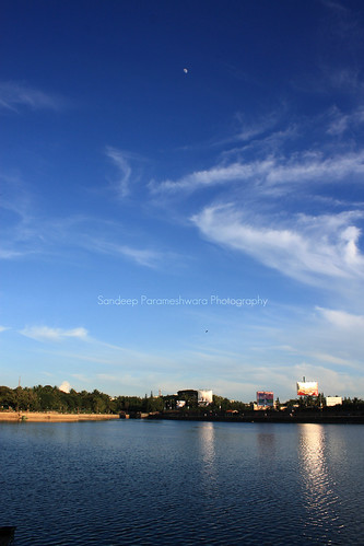 blue water landscape evening photoshoot akasha akash bengaluru 1555mm sankeytank