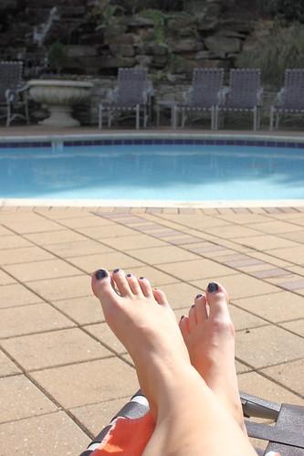 Toes & Pool