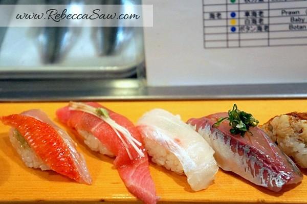 Tsukiji market - sushi dai - best sushi-021