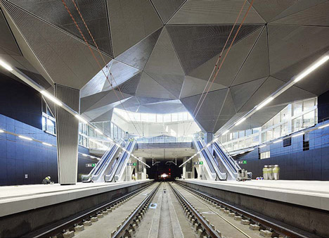 dezeen_High-Speed-Train-Station-in-Logrono-by-Abalos-Sentkiewicz-Arquitectos_4