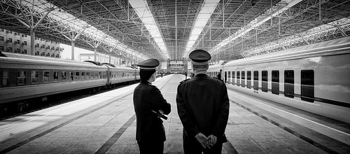 china lines composition train reflections back view candid sony beijing wideangle 北京 16mm tones 八达岭 depth officer conductor 背影 a55 北站 kemily aypwip