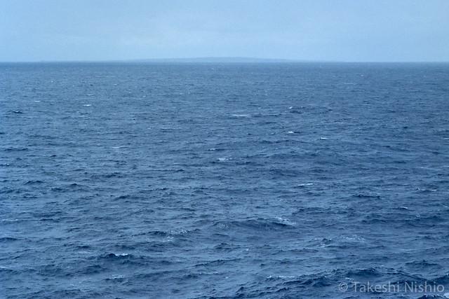 与論島が見える / Yoron island over there