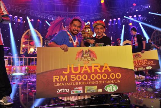 TAHNIAH Jozan Juara Maharaja Lawak Mega 2 Bawa Pulang Wang Tunai RM500,000