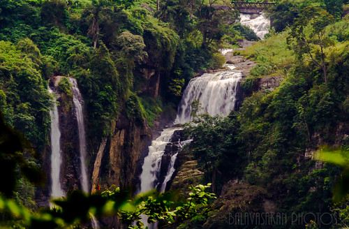 Lower Ramboda falls by Balavasakan