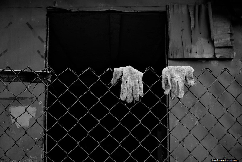 Gloves of nobody's