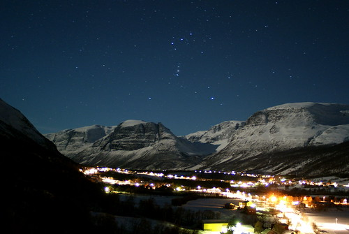 manndalen valley by night