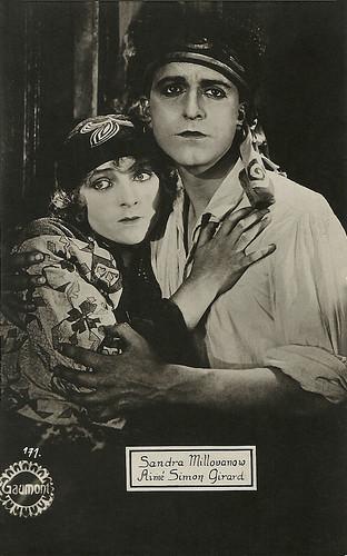 Sandra Milovanoff and Aimé Simon-Girard in Le fils du flibustier (1922)