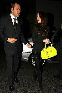 Kate Beckinsale Neon Handbag Celebrity Style Women's Fashion