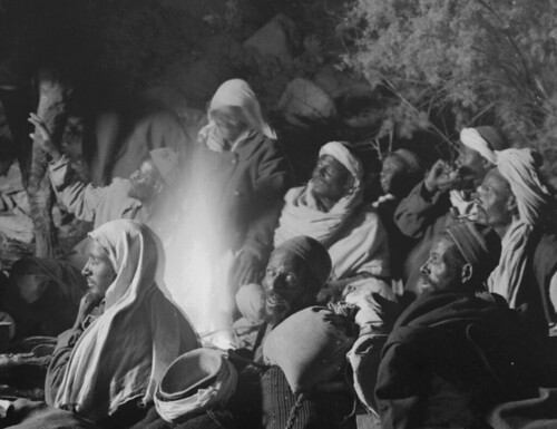 (animated stereo) Bedouin (?) camp, Sinai (circa 1920)