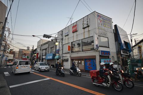 超高層ビル迫る不動前通り商店街…武蔵小杉
