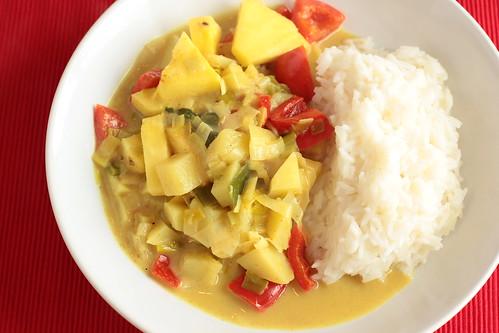 Gemüsecurry mit Ananas und Kokosmilch