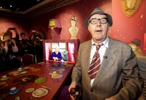 Meneer Wijdbeens opent tentoonstelling