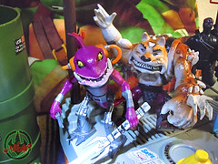 Nickelodeon  TEENAGE MUTANT NINJA TURTLES :: FISHFACE  xiv / .. with DOGPOUND (( 2012 ))