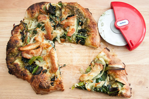 Chicken and Kale Pizza with Fennel