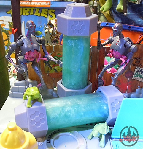 Nickelodeon  TEENAGE MUTANT NINJA TURTLES :: MUTAGEN OOZE i (( 2013 ))