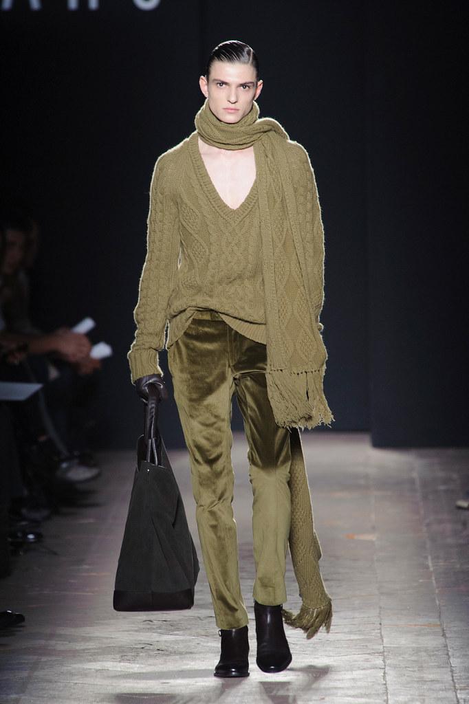 FW13 Milan Daks013_Guerrino Santulliana(fashionising.com)