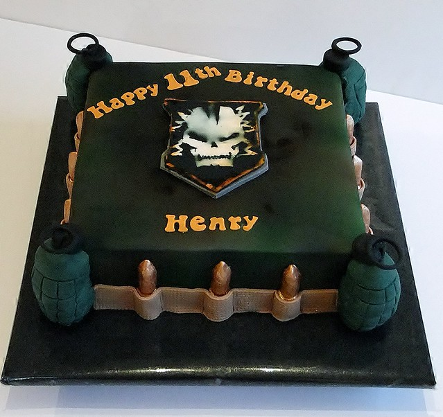 call of duty cake call of duty cake flickr photo 2378