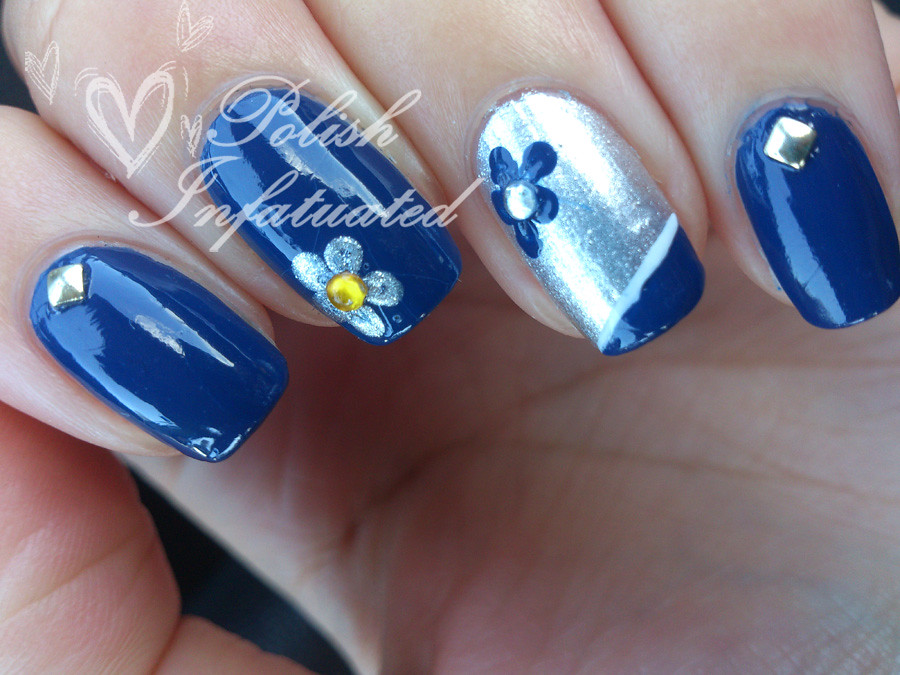blue, flowers and studs2