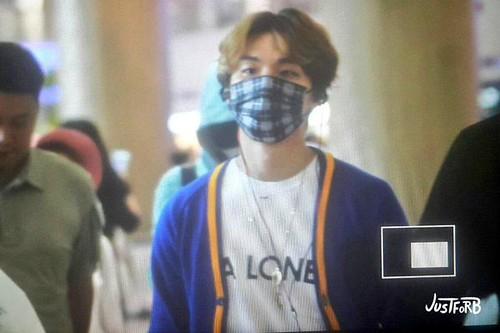 BIGBANG arrival ICN Seoul from Taiwan 2015-09-28 (11)