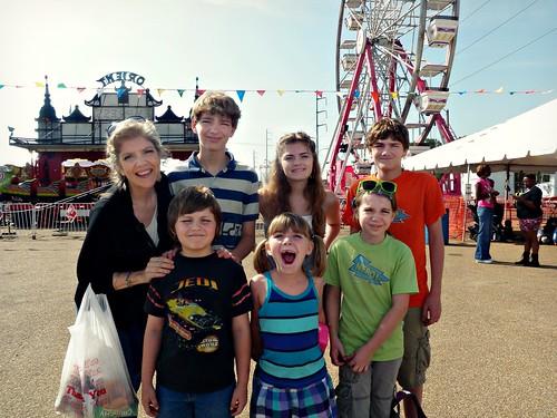 PA110062 Elysa and Kids at Fair