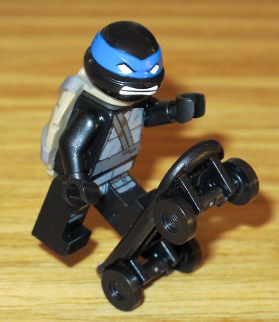 Pictoral review nycc tmnt black turtle minifig lego - Tortue ninja skateboard ...