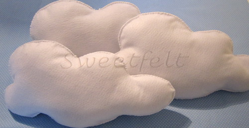 ♥♥♥ E a Sweetfelt anda nas nuvens... by sweetfelt \ ideias em feltro