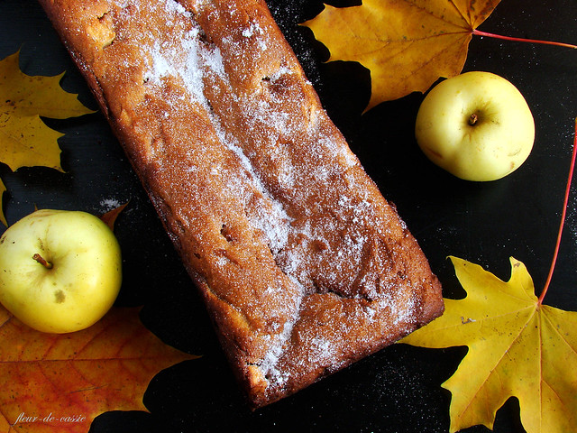 кекс творожный с яблоками и медом 1