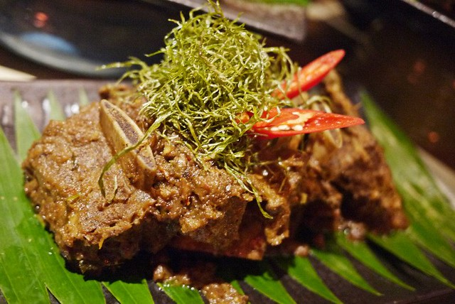 beef rendang - makan kitchen doubletree by hilton