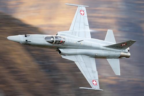 [フリー画像素材] 戦争, 軍用機, 戦闘機, ノースロップ F-5, スイス軍 ID:201210210000