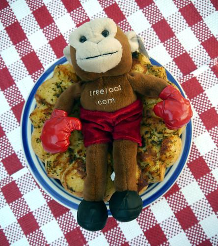 Pepperoni Pizza Monkey Bread (0028)