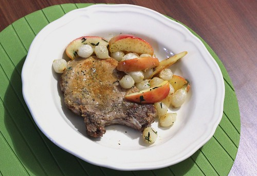 My Big Green Cookbook: Pork Chops with Roasted Apples and ...