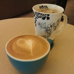 hong kong-style milk tea(0.0), salep(0.0), masala chai(0.0), espresso(1.0), cappuccino(1.0), cup(1.0), cuban espresso(1.0), flat white(1.0), cup(1.0), cortado(1.0), saucer(1.0), coffee milk(1.0), caf㩠au lait(1.0), coffee(1.0), ristretto(1.0), coffee cup(1.0), caff㨠macchiato(1.0), caff㨠americano(1.0), drink(1.0), latte(1.0), caffeine(1.0),