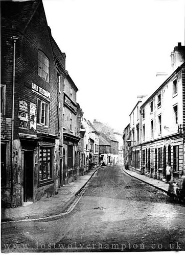 Looking down  Great Berry Street toward five ways, in  1880 The Caernarvon Castle is at the bottom on the left.