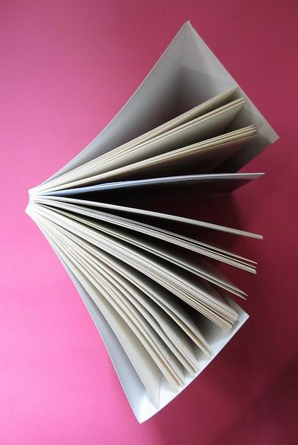 Lucinda Hawksley, Lizzie Siddal. Odoya 2012. [responsabilità grafica non indicata]. Taglio superiore (part.), 1