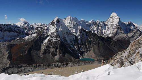 mountain lake snow ice nature clouds landscape rocks glacier valley peaks himalaya dolina hory příroda jezera obloha světlo sníh himaláje panasonicdmcg1