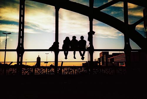 city bridge sunset portrait sky people urban silhouette yellow germany munich bayern lomo lca xpro lomography crossprocessed xprocess cityscape lomolca lomograph lomographyxprochrome100 roll:name=121024lomoxpro100 file:name=121024lomoxpro10014