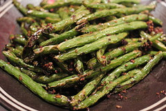 produce(0.0), vegetable(1.0), asparagus(1.0), green bean(1.0), food(1.0), common bean(1.0),
