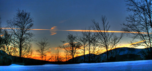 blue winter sky orange cold clouds landscape vermont hill sunrtise mygearandme pawelt