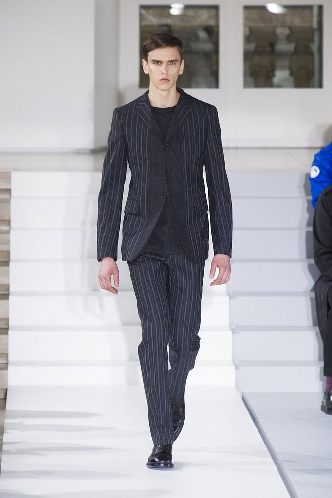 FW13 Milan Jil Sander005_Isaac Ekblad(fashionising.com)