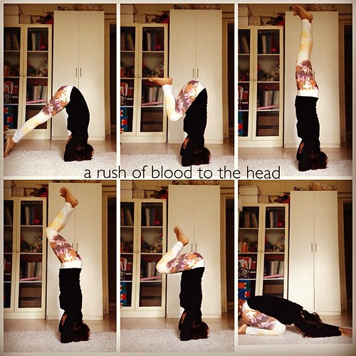 ... is what you sometimes need. #yoga #headstand #inversion #yogagram #teeki