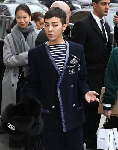 G-Dragon Chanel Haute Coutoure at Grand Palais Paris 2016-01-26 29