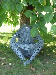 Hampton Court Castle Gardens & Parkland - the garden - sculpture
