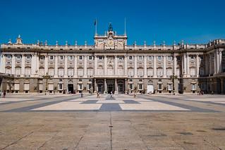 Afbeelding van Royal Palace in de buurt van City Center. samsung samsungcamera samsungnx1 spain españa royalpalaceofmadrid madrid